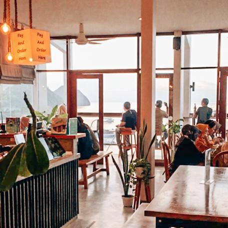 Cafe hitz di Labuan Bajo - Escape Bajo